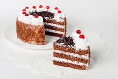 Feestelijke cake op wit Royalty-vrije Stock Fotografie