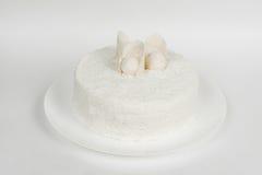 Feestelijke cake op wit Royalty-vrije Stock Foto's