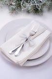 Feestelijke die lijst voor de zilveren stijl van de Kerstmisviering wordt geplaatst Stock Foto
