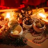 Feestelijke nieuwe het jaarachtergrond van het chocoladedessert Royalty-vrije Stock Afbeeldingen