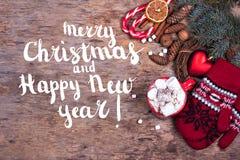 Feestelijke Vrolijke Kerstmis van de Groetkaart en Gelukkig Nieuwjaar royalty-vrije stock afbeelding