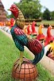 Feg modell som dekoreras i en trädgård Arkivfoto