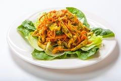 Feg sallad med nya grönsaker och sesam i asiatisk stil Royaltyfria Foton