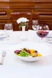 Fegato di pollo ed insalata delle barbabietole Fotografie Stock