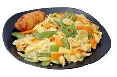 fegt isolerad rulle för curry ägg Arkivbilder