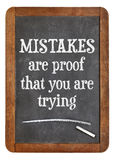 Fehler sind Beweis, den Sie auf Tafel versuchen stockbilder