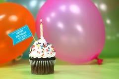 Feier mit Ballon-Kerzen und Kuchen Lizenzfreie Stockfotografie