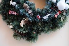 Feier traditioneller Weihnachtsverzierungs-Dekorationshintergrund stockfotos