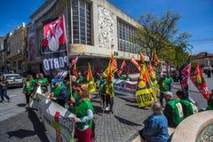 Feier von Maifeiertag in der Oporto-Mitte Stockfotografie