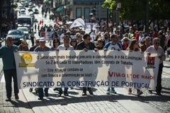 Feier von Maifeiertag in der Oporto-Mitte Allgemeines B?ndnis von portugiesischen Arbeitskr?ften, verbunden mit der kommunistisch stockbilder