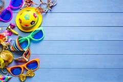 Feierkonzept für Parteigeburtstag Karneval oder silvester Stockbild