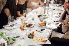 Feierliche Tabelle. Stockbild