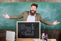 Feiern Sie Tag des Wissens Lehrer erfahrene neue Eingetragene der Erzieherwillkommen, zum der Studie anzufangen und von Bildung z stockfoto
