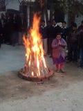 Feiern von Lohri stockfotos