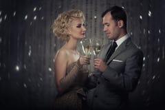 Feiernde Paare Lizenzfreies Stockfoto