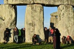 Feiernder-Versammlung bei Stonehenge Lizenzfreie Stockfotografie