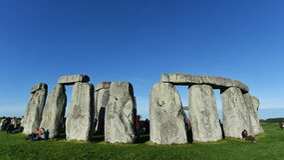 Feiernder-Versammlung bei Stonehenge Stockbilder