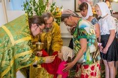 Feiertag der orthodoxen Kirche auf Pfingsten Sonntag in der Kaluga-Region in Russland am 19. Juni 2016 Lizenzfreies Stockbild