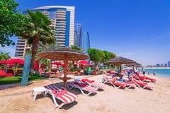 Feiertage auf dem Strand in Abu Dhabi Stockfotografie