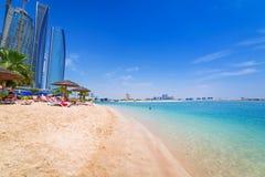 Feiertage auf dem Strand in Abu Dhabi, Vereinigte Arabische Emirate Stockfoto