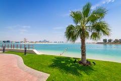 Feiertage auf dem Strand in Abu Dhabi, Vereinigte Arabische Emirate Stockbild