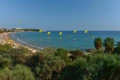 Feiertage, Meer und Wassersport lizenzfreies stockfoto