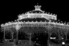 Feiertaggazebo-Leuchten in B/W Lizenzfreie Stockbilder