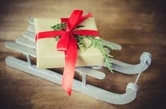 Feiertags-Hintergrund mit Weihnachtszusammensetzung Stockbild