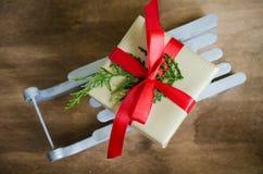 Feiertags-Hintergrund mit Weihnachtszusammensetzung Lizenzfreie Stockbilder