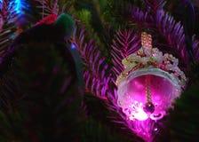 Feiertags-Verzierung und Leuchten Bell lizenzfreie stockbilder