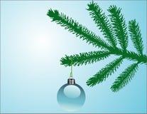Feiertagskugel auf Baumzweig vektor abbildung