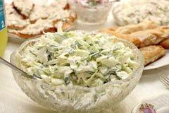 Feiertagstabelle mit Salaten Stockbild