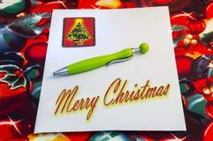Feiertagsvektorabbildung mit Umschlag, Papier, Tanne und Stechpalme Stockbilder