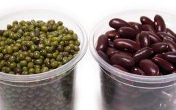 Feijão verde e vermelho no copo Fotos de Stock