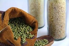 Feijão verde no saco de couro Foto de Stock