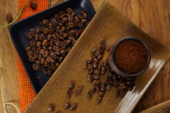 Feijões da xícara de café e de café fotos de stock