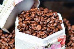 Feijões de café, café preto Foto de Stock Royalty Free