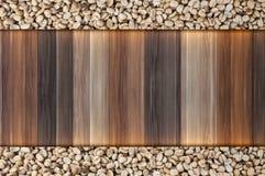 feijões de café crus no fundo de madeira do vintage, texto do espaço vazio de feijões de café Fotografia de Stock Royalty Free
