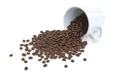 Feijões de café derramados Imagem de Stock Royalty Free
