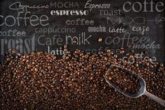 Feijões de café do fundo Fotografia de Stock