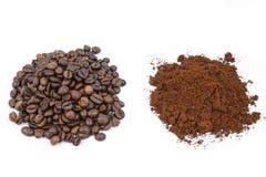 Feijões de café e café à terra Imagens de Stock