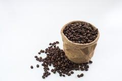 Feijões de café e sacos de café Foto de Stock Royalty Free