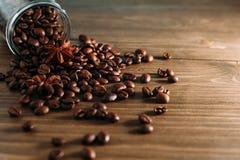 Feijões de café em um frasco Imagens de Stock Royalty Free
