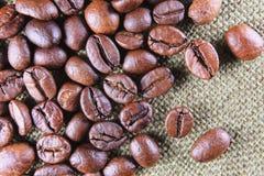 Feijões de café fechados-acima Fotografia de Stock