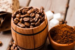 Feijões de café Café de Grinded Fotografia de Stock Royalty Free