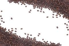Feijões de café isolados em um branco Fotos de Stock Royalty Free