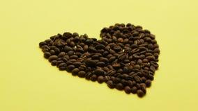 Feijões de café na forma do coração filme
