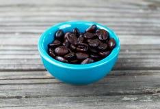 Feijões de café na madeira 4 Foto de Stock
