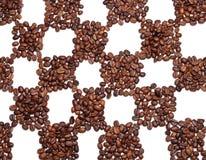 Feijões de café no campo da xadrez Fotografia de Stock