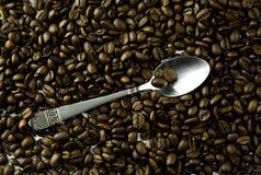 Feijões de café no volume Foto de Stock Royalty Free
